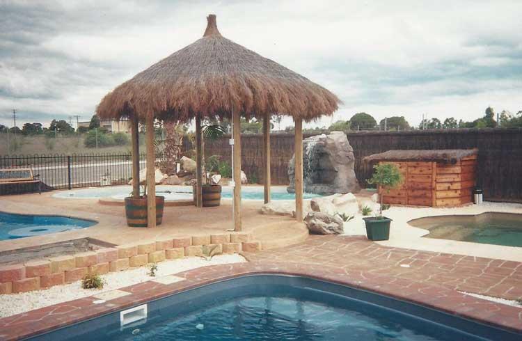 brushwood-pergola-and-pool